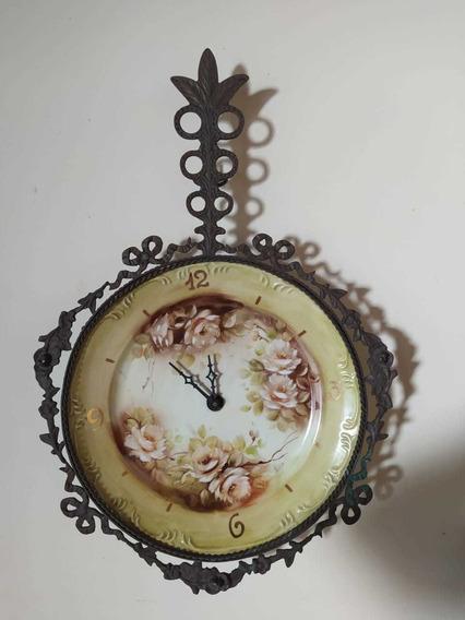 Relógio De Parede Porcelana Pintada A Mão E Bronze 54cm