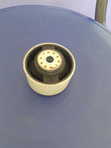 Buje Base Trasera Motor Peugeot 206/306 1.4/1.6 Plastico