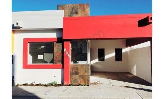 Se Renta Bonita Casa Nueva Contemporánea De Una Planta En Fraccionamiento Privado La Parcela