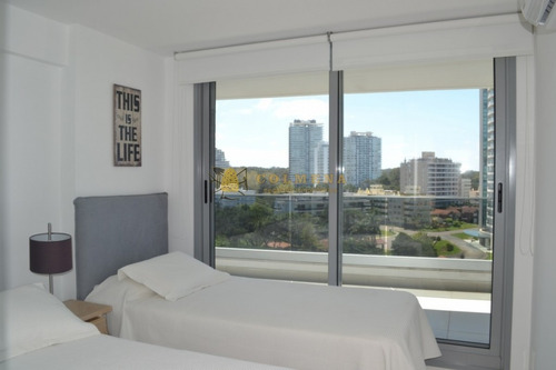 Apartamento En Aidy Grill De 2 Dormitorios Con Terraza Muy Cerca Dela Palya Brava. Consulte!!!!!!-ref:2292