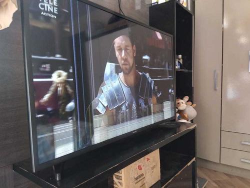 Imagem 1 de 4 de Televisão Samsung 43 Smart