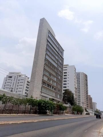 Apartamento En Venta. La Lago. Mls 20-17931.