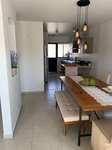 Preciosa Casa En El Mirador, Alberca, 3 Recamaras, Estudio, Jardín, 2.5 Baños,..
