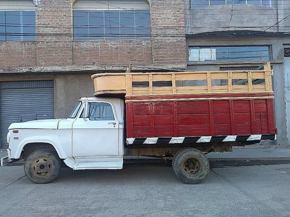 Vendo Un Camion Dodge 300 En La Ciudad De Puno.
