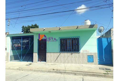 Casa En Venta Barrio Araoz * Zona Sur *