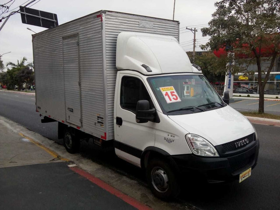 Iveco Daily 35s14 2015 Baú Camionete
