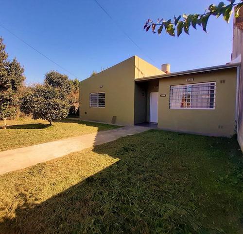 Imagen 1 de 17 de Casa Venta 2 Dormitorios 1 Baño Jardín 70 Mts 2 - Terreno 13 X 63.50 Mts - 820 Mts 2 - Villa Elisa