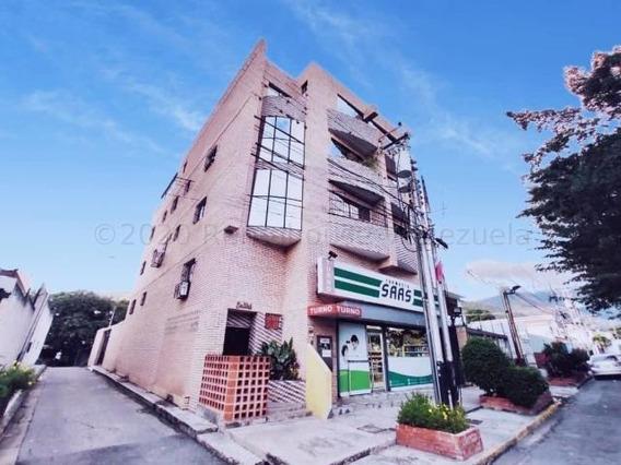 Penthouse En Venta Urb El Toro Las Delicias 21-8908 Hcc