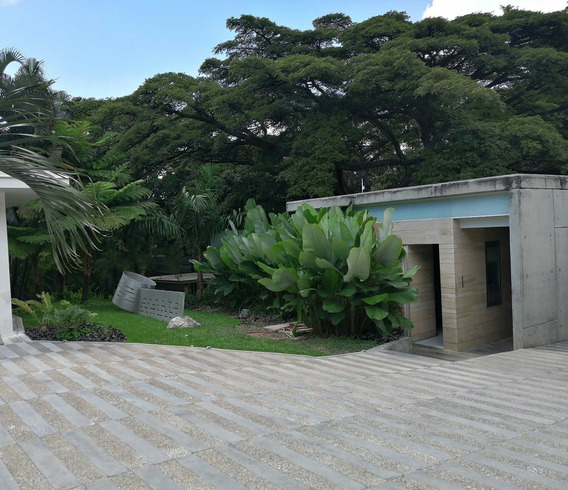 Casa En Venta En La Urbanización Country Club