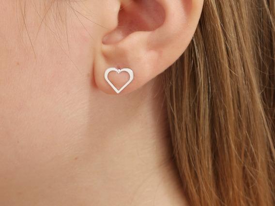 Par Brincos Charme Feminina Elegante Coração Vazado Prata 925