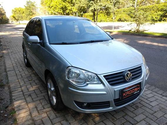 Volkswagen Polo Sedan I Motion 1.6 Total Flex 4p 2011