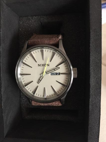 Relógio Nixon Leather