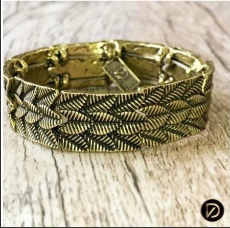 Bracelete Com Textura Folhas Banho Ouro Velho Light