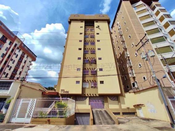 Apartamento En Venta San Isidro 21-1939 Mepm 187