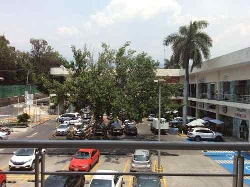 Local En Renta En Av. Calzada De Los Reyes Cuernavaca