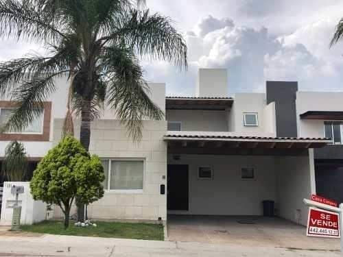 Residencia En Cumbres Del Lago, Sótano, Roof Garden, 4 Habitaciones, Cto Serv..