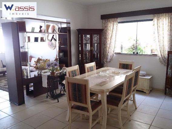 Ótima Residencia Em Jundiaí Contendo 5 Dormitórios Sendo 2 Suítes - Ca00426