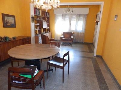 Amplia Casa De 4 Dorm. 2 Baños, Garaje X 2 Y Fondo 250 M2