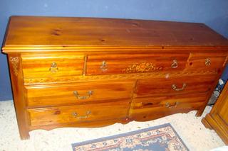Mueble Cómoda 7 Cajones Acabado Con Vetas Y Nudos Jal Bronce