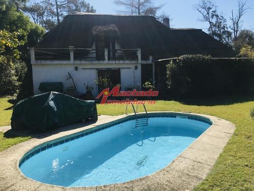 Casa En Venta Y Alquiler, Pinares, Punta Del Este- Ref: 6043