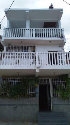 Casa De 4 Pisos En Avenida Principal Excelente Vista