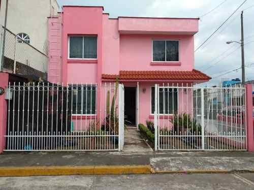 Vendo Casa Amplia En Esquina. Fracc. Sta. Clara. (por La Calzada Morelos)