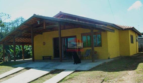 Chácara Bem Localizada - Casa Térrea Bem Construída - Ch0294