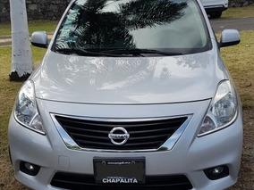 Nissan Versa 1.6 Exclusive At Sedán 2014