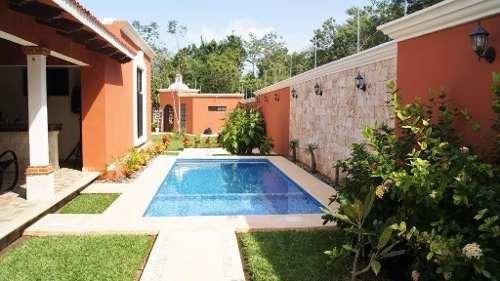 Hermosa Residencia Estilo Colonial En Venta Playa Del Carmen P2669