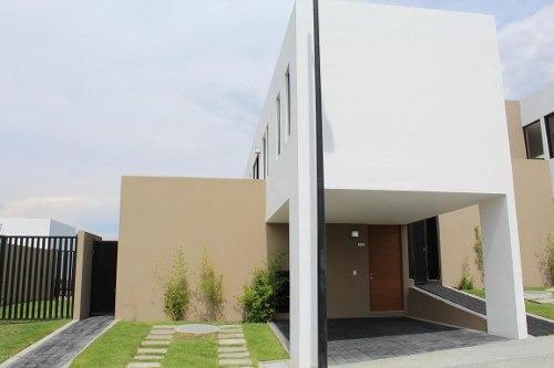 Casa En Venta En Zibata, El Marques, Rah-mx-20-268