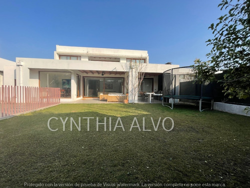 Imagen 1 de 21 de Condominio Dehesa Central/ Colegio Huinganal Y Mayflower