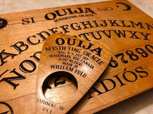Imagen 1 de 7 de Ouija Tabla Artesanal Tallada En Cedro Rojo Envio Gratis