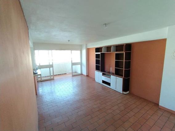 Apartamento En Alquiler / Maracay / 04166437900