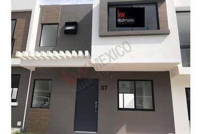 Zakia, Casa Nueva En Renta, En Privada Con Alberca.