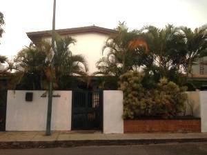 Casas Clnas De Bello Monte Mls #20-11582