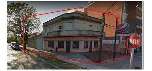 Dueño Vende! Esquina.dos Casas Y Un Local. La Blanqueada.
