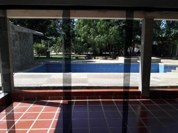 Terreno Con Casa Safari Country Club Carabobo 20-582 Dag