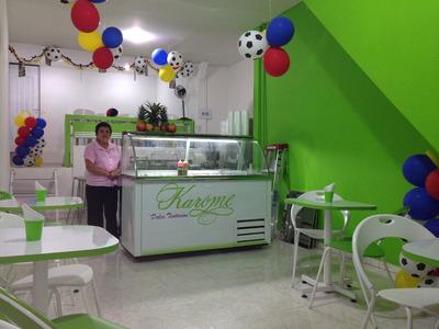 Cafetería Y Heladería De Helado Soft Y Tradicional