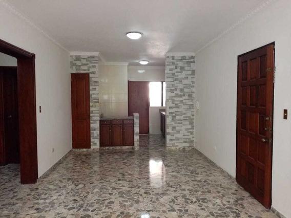 Alquilo Apartamento Detras De Daimond Mall En 25 Mil Peso.