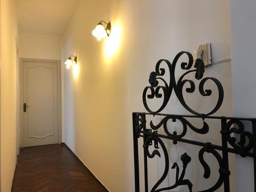 Apartamento En Venta De 2 Dormitorios, Centro