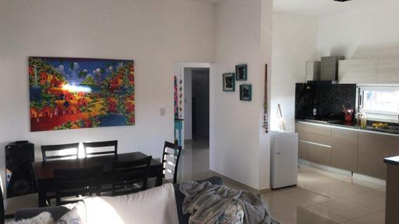 Alquilo Casa 2 Dormitorios Barrio Cerrado.