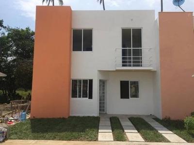 Casa Sola En Venta Fraccionamiento La Hacienda