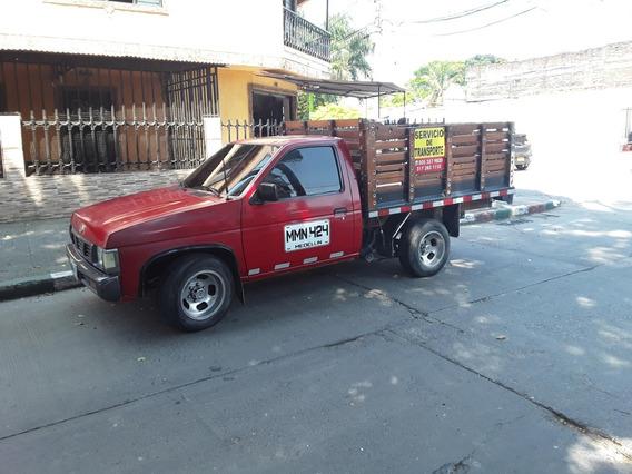 Camioneta Nissan Estacas