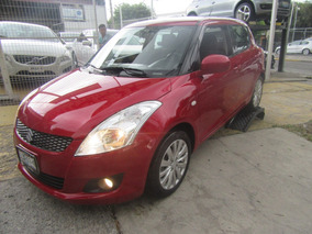 Suzuki Swift Rojo 2010