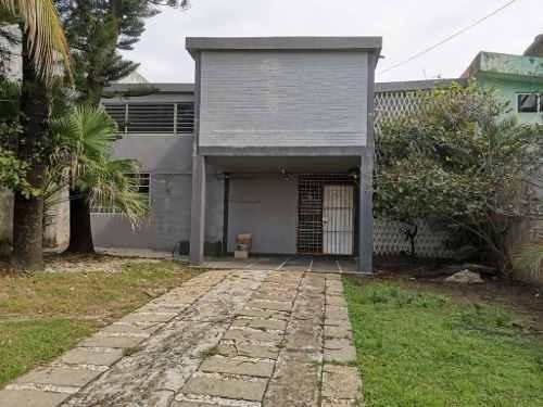 Casa En Renta Para Oficinas, Col. Centro, Coatzacoalcos, Ver.