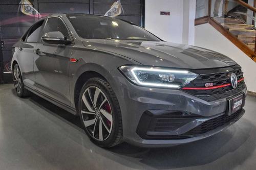 Volkswagen Vento 2.0 Gli  - Car Cash