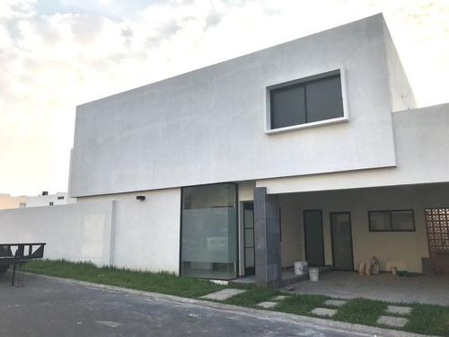 Imagen 1 de 11 de Casa  Renta * Recamara Planta Baja * Lomas Rioja * Alvarado Veracruz *