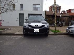 Toyota Hilux Sw4 Srv Aut- Diesel - Cuero - 3 Filas Asientos
