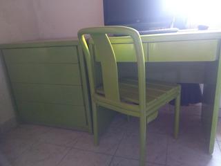 Juego De Escritorio, Cómoda, Silla Y Mesa De Luz