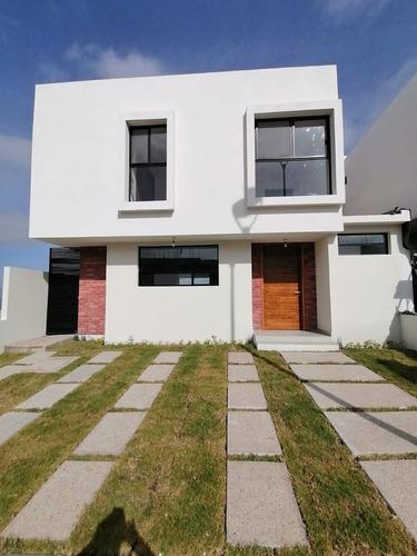 Imagen 1 de 7 de Se Vende Casa En Zibata, Hermosa Residencia, Con Doble Altur